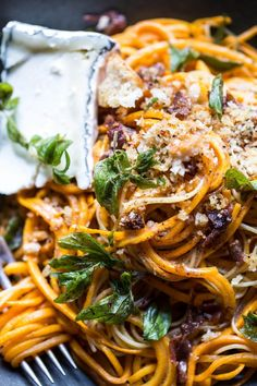 Nutritious Snack Tips For Equally Young Ones And Adults Butternut Squash Goat Cheese Pasta. Spiralizer Recipes, Pasta Recipes, Cooking Recipes, Fall Recipes, Dinner Recipes, Butternut Squash Noodle, Spiralized Butternut Squash, Goat Cheese Pasta, Clean Eating