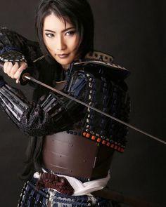 - - for friends - Geisha Ronin Samurai, Female Samurai, Samurai Armor, Samurai Poses, Warrior Girl, Fantasy Warrior, Fantasy Girl, Warrior Women, Katana Girl