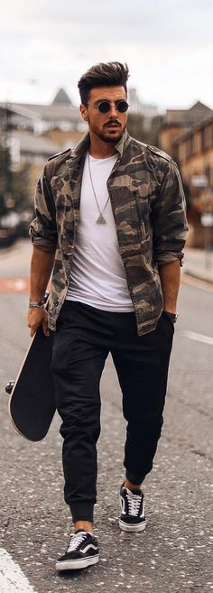New mens fashion trends . Casual Fall Outfits, Men Casual, New Mens Fashion, Men's Fashion, Latest Fashion Trends For Men, Fashion Boots, Mens Athletic Fashion, Camo Fashion, Fashion Vintage