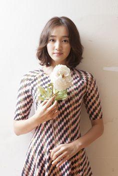 Soo-ae (수애) - Picture @ HanCinema :: The Korean Movie and Drama Database