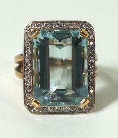 Art Deco Aquamarine and Diamond Gold Ring image 2