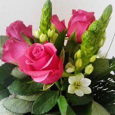 #ruusu #kukkakimppu #liisako #vanhat tavarat