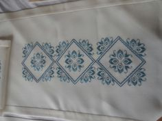 Cutwork Embroidery, Labor, Cut Work, Bargello, Cross Stitch Patterns, Diy And Crafts, Sewing, Towels, Hand Embroidery