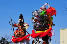 The winning big bamboo pole enters the doors of the Shrine in a Japanese festival full of innuendo…Bonden Matsuri | Somewhere in the world t...