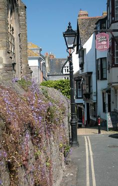 Are we on an alley? or a carriageway?  We are at Dartmouth Church I do believe....... Dartmouth, Devon, UK
