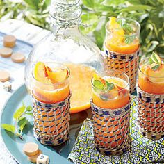 Frozen Peach Old Fashioned is the perfect way to stay cool this #Summer! #peaches #frozen #cocktails
