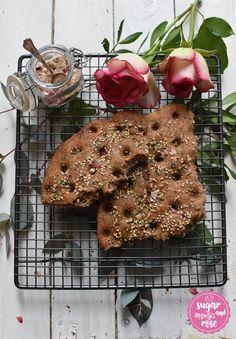 Brotbacken – schön & schnell! Brotrose und Rosen-Chiabrot - sugar&rose Cookies, Chocolate, Desserts, Food, Vegetarian Recipes, Sustainability, Crack Crackers, Tailgate Desserts, Deserts