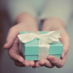 I heart little blue boxes. (and whats inside them.)