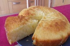 Recipe - Light and Moisty Yogurt Cake - Proposed by 750 grams Sweet Corner, Ice Cream Candy, Yogurt Cake, Different Cakes, Sweet Breakfast, Food Cravings, I Love Food, Coco, Sweet Recipes