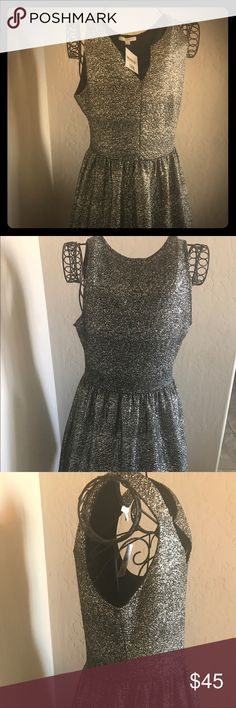 Nordstrom black and gold speckled dress Nordstrom Soprano black and gold speckled dress NWT size L Soprano Dresses Mini