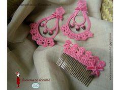 Cucadas de Connina: Complementos de Flamenca 2011 Crochet Bows, Bead Crochet, Crochet Crafts, Crochet Projects, Crochet Earrings, Crochet Accessories, Hair Accessories, Hair Bows, Hair Clips