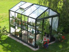 Willab Garden växthus Maxi 3. Garden Pool, Garden Art, Garden Landscaping, Above Ground Garden, Garden Cabins, Conservatory Garden, Hothouse, Greenhouse Gardening, Greenhouse Ideas
