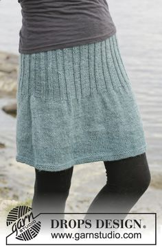 "Knitted DROPS skirt in stocking st with rib, worked top down in ""Karisma"". Size: S - XXXL. ~ DROPS Design"