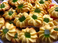 Cooking Tips, Cooking Recipes, Saintpaulia, Romanian Food, International Recipes, Baked Goods, Deserts, Food And Drink, Sweets