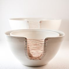 ceramic nesting bowls threaded with copper wire – Ceramic Art, Ceramic Pottery Ceramic Fiber, Ceramic Clay, Ceramic Plates, Ceramic Pottery, Ceramic Texture, Slab Pottery, Pottery Vase, Diy Clay, Clay Crafts