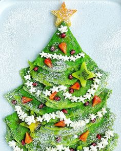How to make a Christmas Crêpe Tree with spinach crepes Holiday Appetizers, Holiday Recipes, Good Pie, Cute Snacks, Pie Crust Recipes, Crepe Recipes, Best Breakfast Recipes, Boxing Day