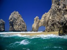 Cabo San Lucas Mexico, look at the water and sky Cabo San Lucas Mexico, San Jose Del Cabo, Los Cabos Baja California, Mexico Wallpaper, Nature Wallpaper, Beach Trip, Beach Travel, Beautiful Places, Beautiful Beach