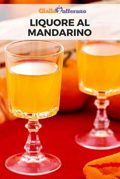 Il liquore al mandarino, detto anche mandarinetto, è un ottimo digestivo tipico della tradizione siciliana, ideale da gustare freddo dopo i pasti oppure da utilizzare per aromatizzare dolci e macedonie. #giallozafferano #liquore #mandarino #tangerine #diy #homemade #ricetta #liqueur [Tangerine liqueur] Cocktail Drinks, Cocktails, Gifts For Wine Lovers, Wine Fridge, Limoncello, Charcuterie, Hurricane Glass, Fruits And Vegetables, Wine Recipes