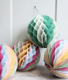 Vintage Crepe Paper Decorations ~ trampoline- want Papel Tissue, Tissue Paper Ball, Paper Balls, Tissue Balls, Crepe Paper Decorations, Honeycomb Decorations, Paper Streamers, Ball Decorations, Reception Decorations
