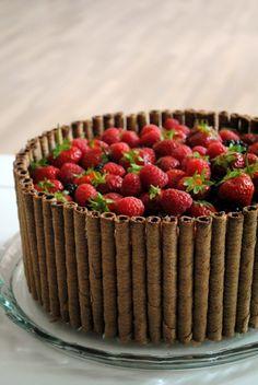 Chokoladelagkage med tobleronecreme og hindbærmousse
