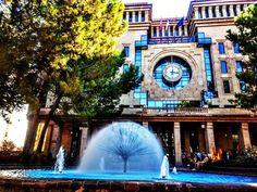 Reposting @cristobalhepi: #Ayuntamiento de #Albacete 🏫 Albacete #Town #Council . . . . . #Castilla #lamancha #Spain #Europe #architecture #arquitectura #reloj #clock #fountain #urbanism #picoftheday #instatravel #travelgram #escapada #finde #weekend #glass #brick #fachada #facade