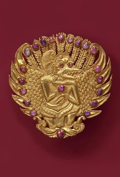 Indonesia ~ Bali | Brooch; gold and rubies | Late 19th century ||| {GPA}