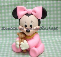 minie bebe de 15 cm de alto Minnie Mouse Birthday Theme, Minnie Mouse Party, Mouse Parties, Mini Mouse Cake, Disney Cake Toppers, Mickey Cakes, Ideas Hogar, Baby Mickey, Polymer Clay Dolls