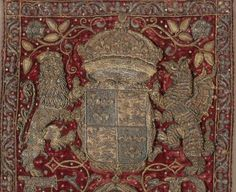 The Elizabeth I Privy Purse, embroidered with The Royal Coat of Arms.