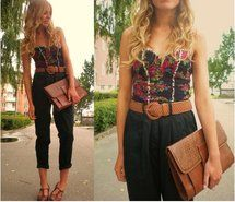 Inspiring picture blonde, brown, casual, corset, crop pants. Resolution: 482x413 px. Find the picture to your taste!