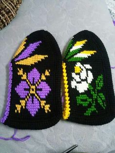 Tunisian Crochet, Hand Warmers, Diy And Crafts, Beanie, Knitting, Slippers, Loafers, Espadrilles, Crocheting
