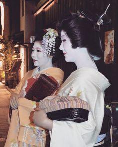 "33 mentions J'aime, 2 commentaires - Niya Photo 🌍📷 (@niyam1) sur Instagram: ""#Japan #Kyoto #Geisha #travel #photo"""