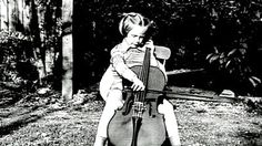 Jacqueline du Pre playing her cello