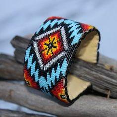 Beaded Cuff Bracelet, Bead Loom Bracelets, Beaded Bracelet Patterns, Bead Loom Patterns, Jewelry Patterns, Beaded Jewelry, Native Beading Patterns, Beaded Earrings, Native Beadwork