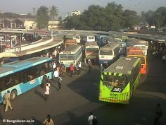 Majestic BMTC bus stand - The very peak hour!