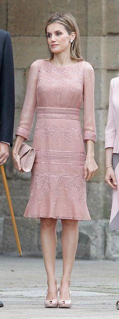 25 Jul 2014 - Santiago de Compostela. Felipe Varela rose pink chiffon dress.