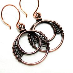 Wire wrapped earrings 306315212146485594 - Woven Earrings, Wire Wrapped Copper, Handcrafted Jewelry, Antiqued Copper, Double Hoop Source by Wire Jewelry Earrings, Wire Wrapped Earrings, Copper Jewelry, Jewelry Bracelets, Earrings Handmade, Drop Earrings, Jewellery, Copper Bracelet, Jewelry Tree