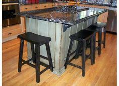 Down to Earth Style: Kitchen Islands