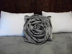 Bromeliad: DIY Wednesday: Make an A Detacher inspired rose pillow from a thrift-store skirt - Fashion and home decor DIY and inspiration