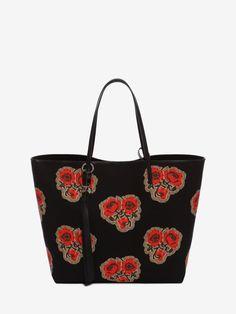 ALEXANDER MCQUEEN Skull Open Shopper. #alexandermcqueen #bags #canvas #leather #lining #accessories #shoulder bags #charm #hand bags #pouch #cotton #