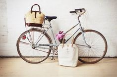 lessening your carbon footprint by riding a bike doesn't seem unreasonable when your bike is THIS cute, right? #ecofriendly #lundsociety