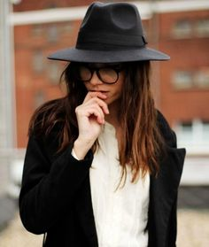 Black hat&dandy style