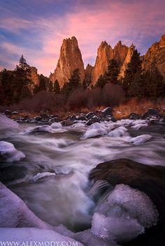 Sunset Spires Winter : Smith Rock State Park, Terrebonne, Oregon