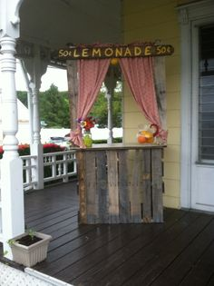 Lemonade stand from pallets for 2014 yard sale and 8th bday party!