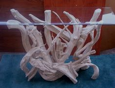 How to Make a Lamp Driftwood Table - http://www.dewithboxingstudio.com/how-to-make-a-lamp-driftwood-table/ : #CoffeeTable If you are lucky enough to find large pieces of driftwood at your favorite beach, it's good to do something about it, because the worn and weathered appearance is difficult to get from any other type of wood. Making a lamp is a relatively simple way to show your driftwood table. Leave one piece o...