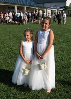 Flower girls at King Family Vineyards #wedding