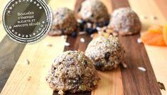 Bouchées d'énergie bleuets et abricots séchés - Auboutdelalangue.com Beignets, Pesto, Dessert Recipes, Desserts, Tasty Dishes, Fudge, Mousse, Biscuits, Pancakes