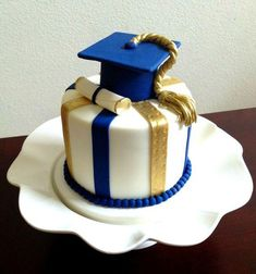 27 Ideas cake fondant ingeniero for 2019 Graduation Party Planning, Graduation Celebration, Graduation Party Decor, Grad Parties, Graduation Cake Designs, Graduation Cupcakes, College Graduation Cakes, Graduation Caps, Bolo Da Minnie Mouse