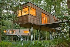 Tree House Hotel Luxury Romantictreehousehotel Christine Ciarmello Treehouse Hotel Modeuropean Hideaway The World Of Ciarming Tree House Designs, Tiny House Design, Cabin Design, Glamping, Luxury Tree Houses, Fachada Colonial, Modern Tree House, Treehouse Hotel, Treehouse Living