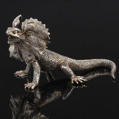Frilled Neck Lizard Sculpture