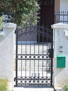 Home Ideas For > Simple Iron Gates Design